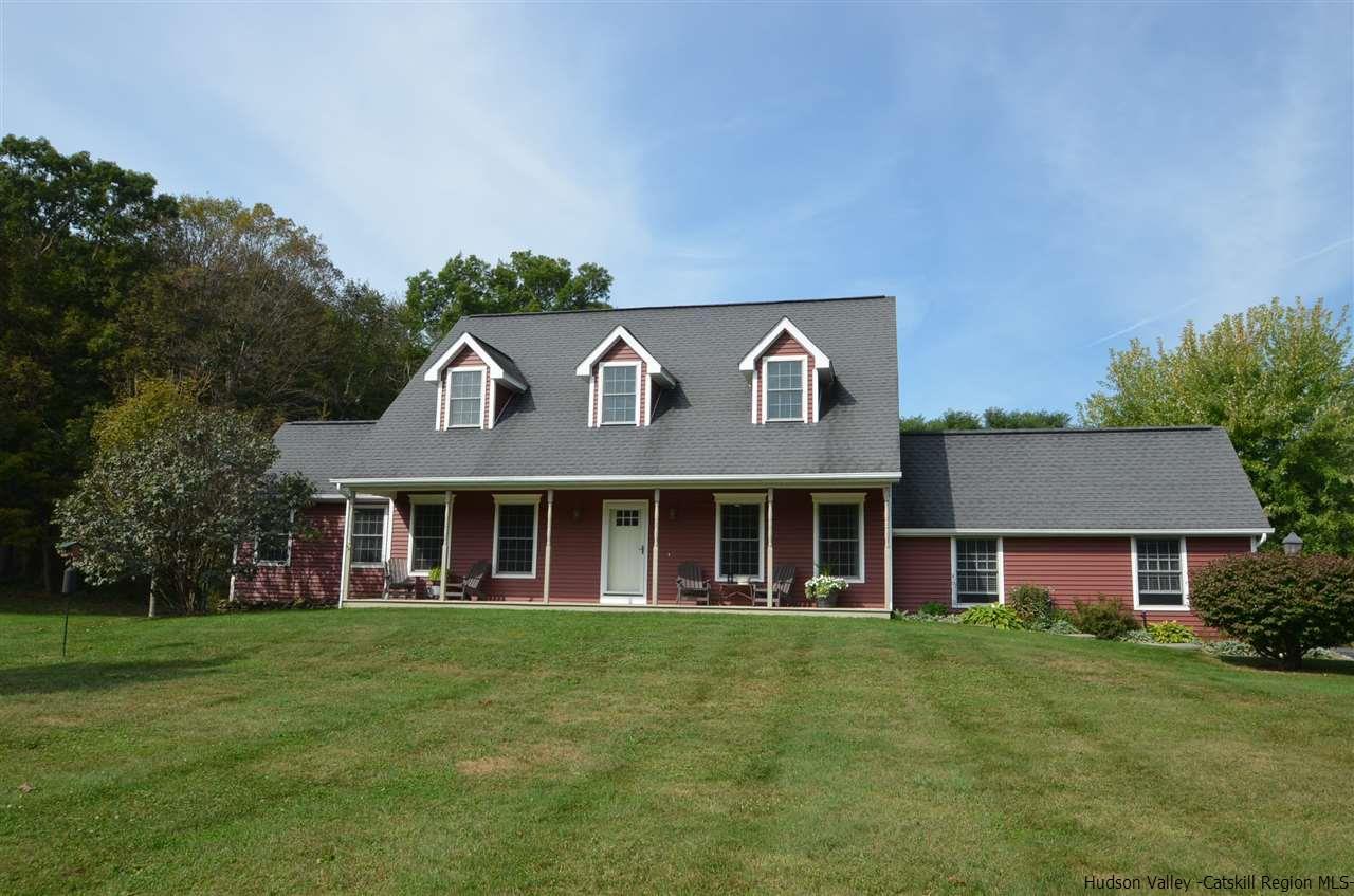 Single Family Home for Sale at 47 Pommelay Farm Lane 47 Pommelay Farm Lane Red Hook, New York 12571 United States