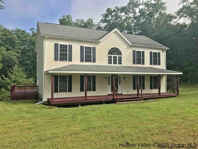 Single Family Home for Sale at 27 Mayfield Estates 27 Mayfield Estates Saugerties, New York 12477 United States