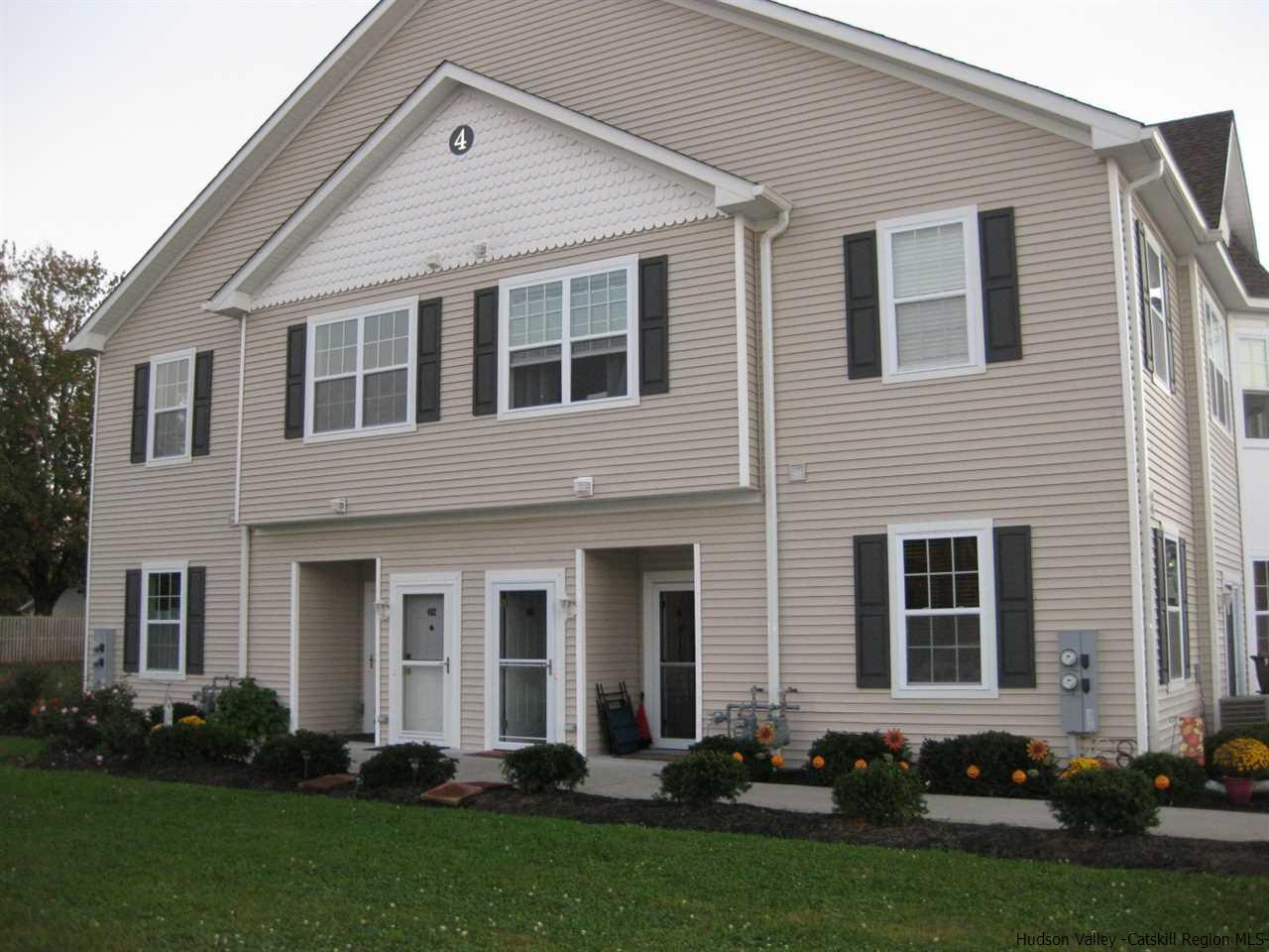 Condominium for Sale at 402 Commons Lane 402 Commons Lane Saugerties, New York 12477 United States