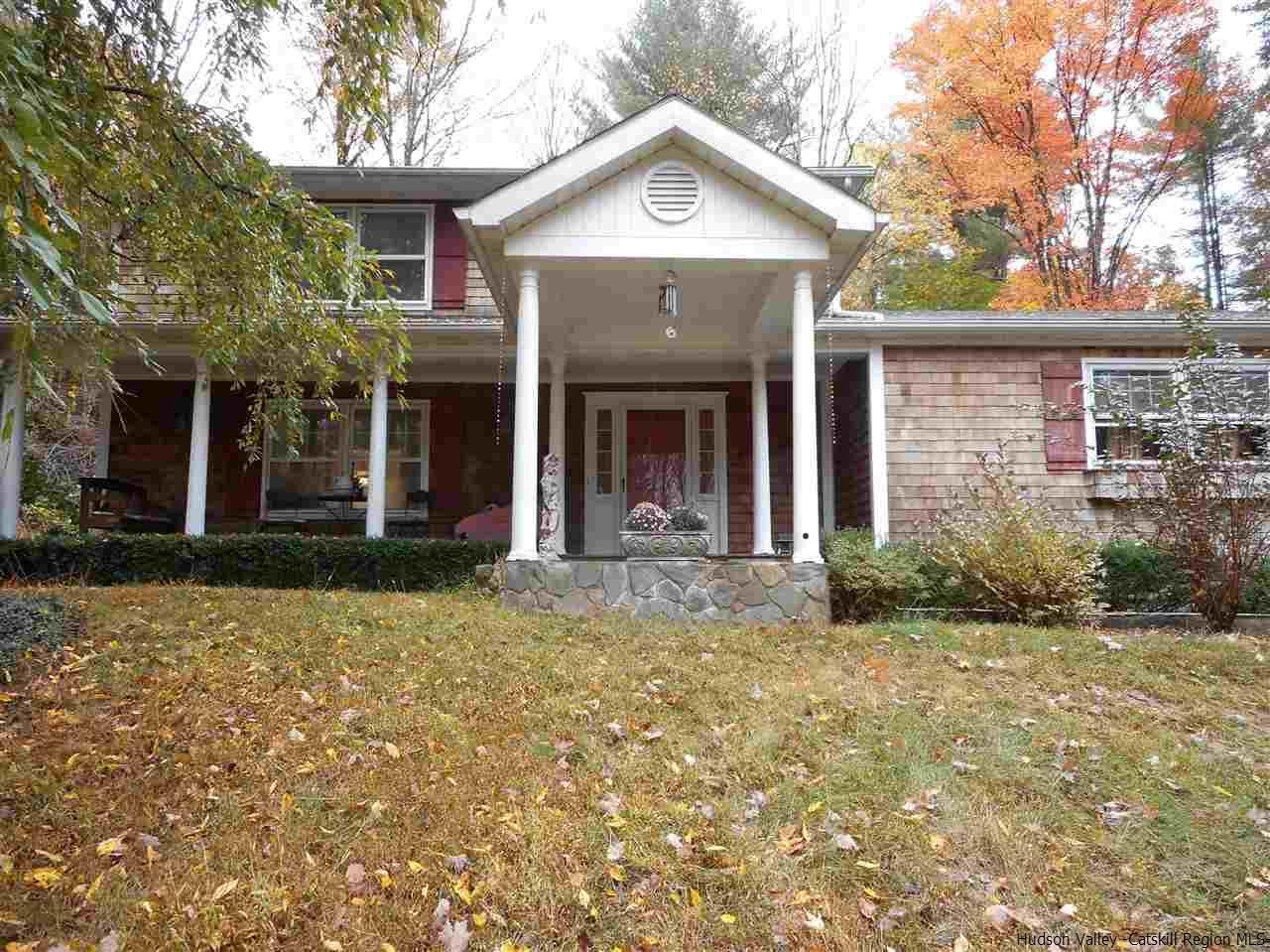 Single Family Home for Sale at 16 DuBoise Lane 16 DuBoise Lane New Paltz, New York 12561 United States