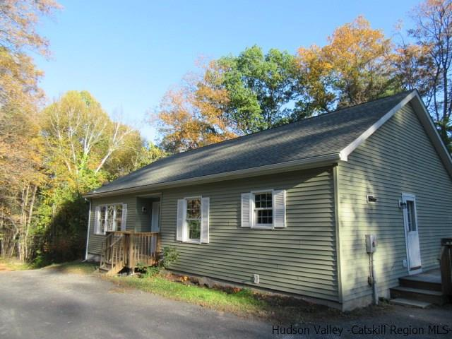 Single Family Home for Sale at 36 Warren Myer Road 36 Warren Myer Road Mount Marion, New York 12456 United States