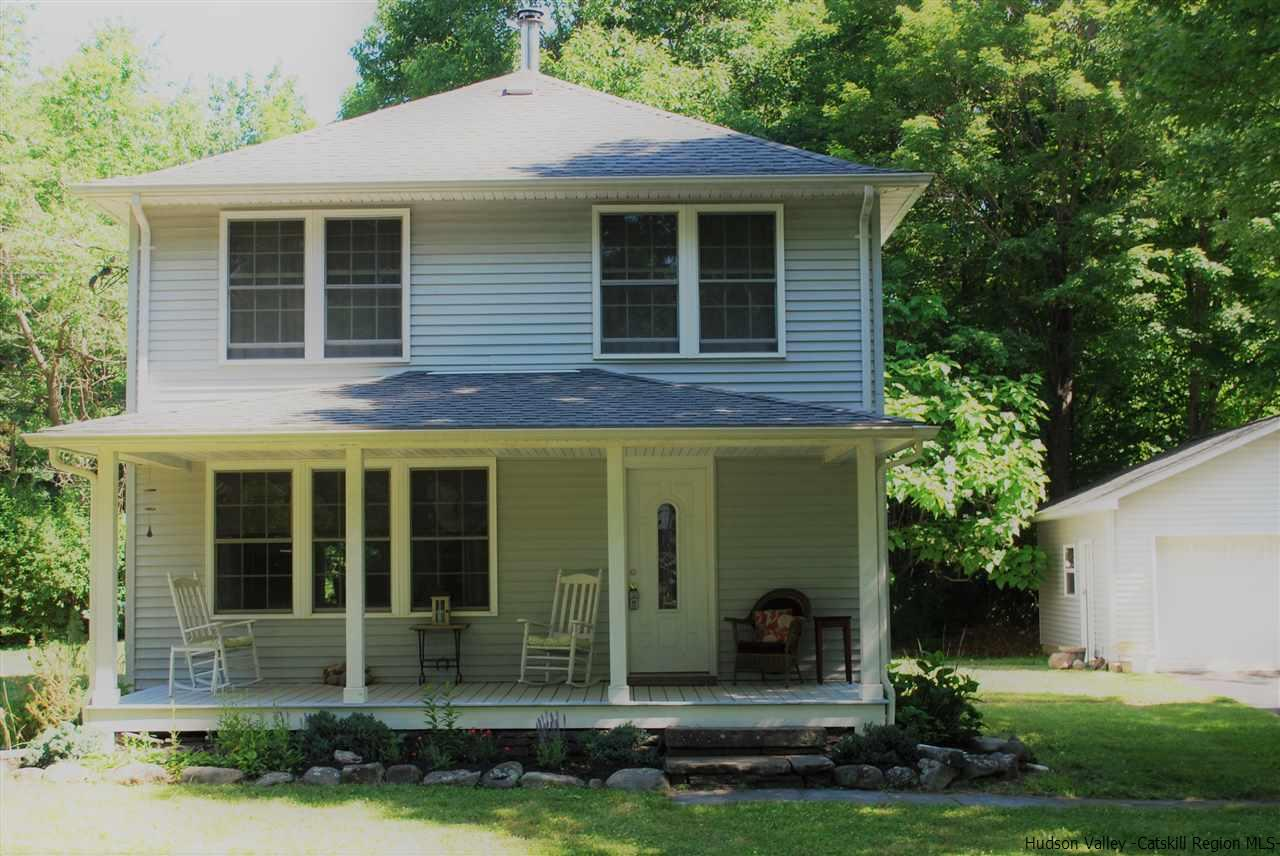 House for Rent at 226 W Saugerties Road 226 W Saugerties Road Saugerties, New York 12477 United States