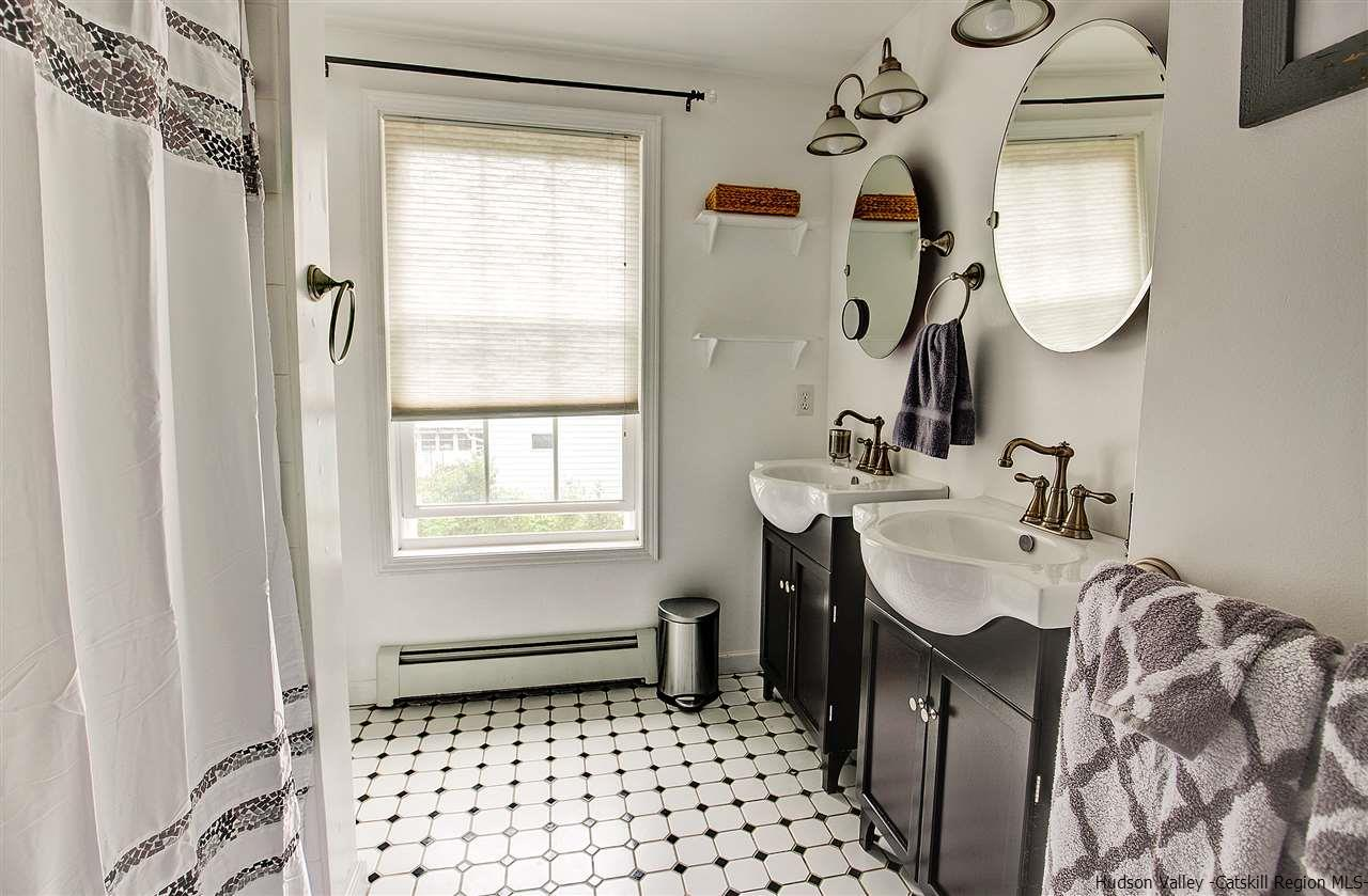 Additional photo for property listing at 226 W Saugerties Road 226 W Saugerties Road Saugerties, New York 12477 United States