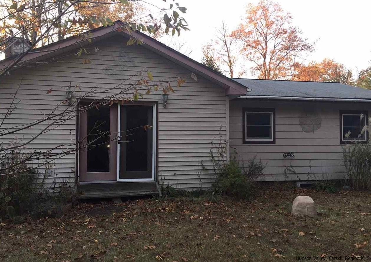 Single Family Home for Sale at 31 Walnut Grove 31 Walnut Grove New Paltz, New York 12561 United States