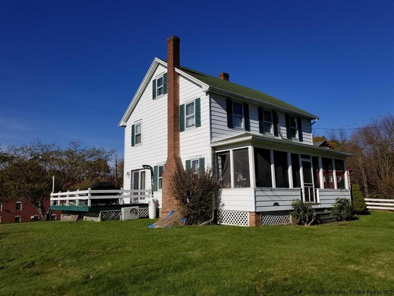 Single Family Home for Sale at 1592 Rt. 9W 1592 Rt. 9W Esopus, New York 12429 United States