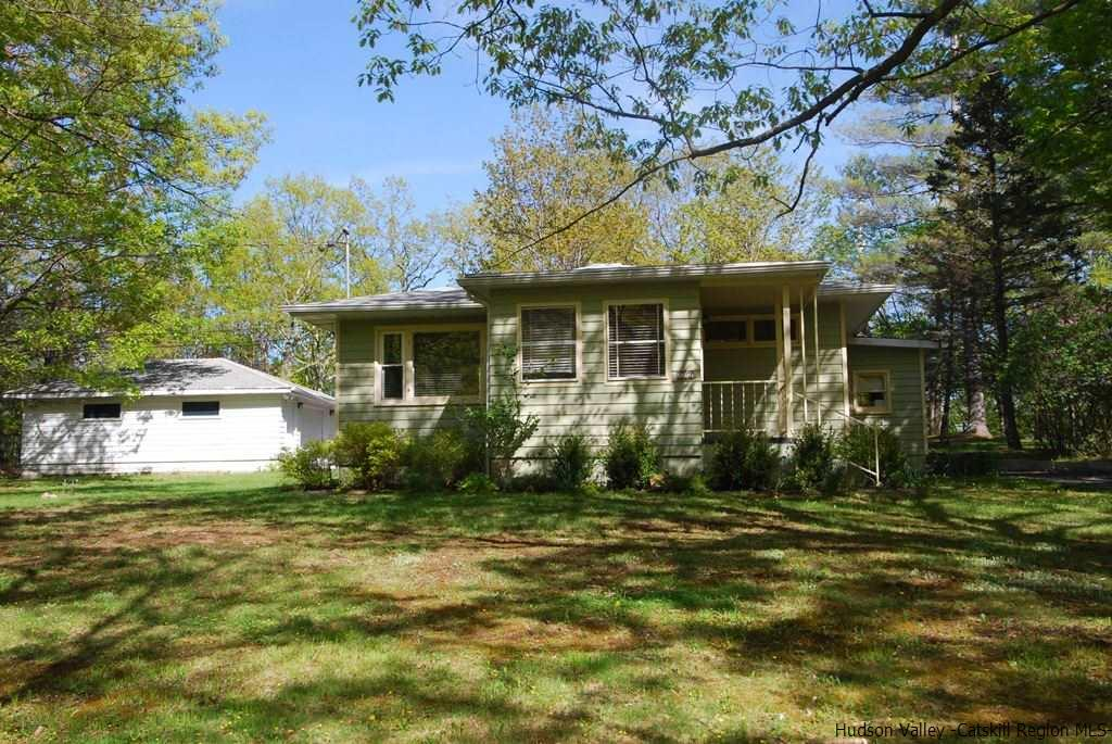 Single Family Home for Sale at 604 Manorville Road 604 Manorville Road Saugerties, New York 12477 United States