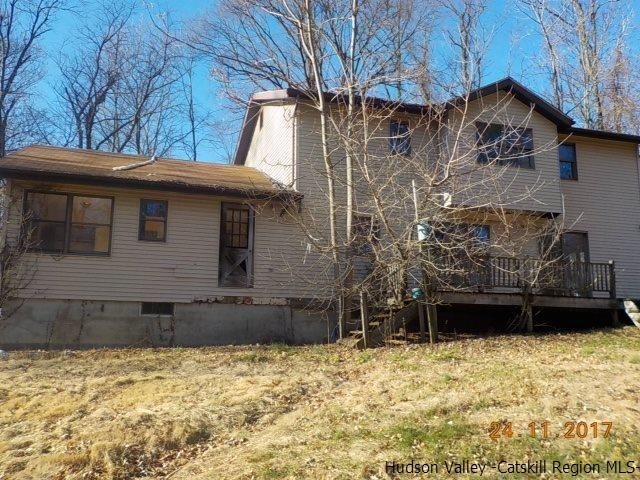 Single Family Home for Sale at 110 Guski Road 110 Guski Road Red Hook, New York 12571 United States
