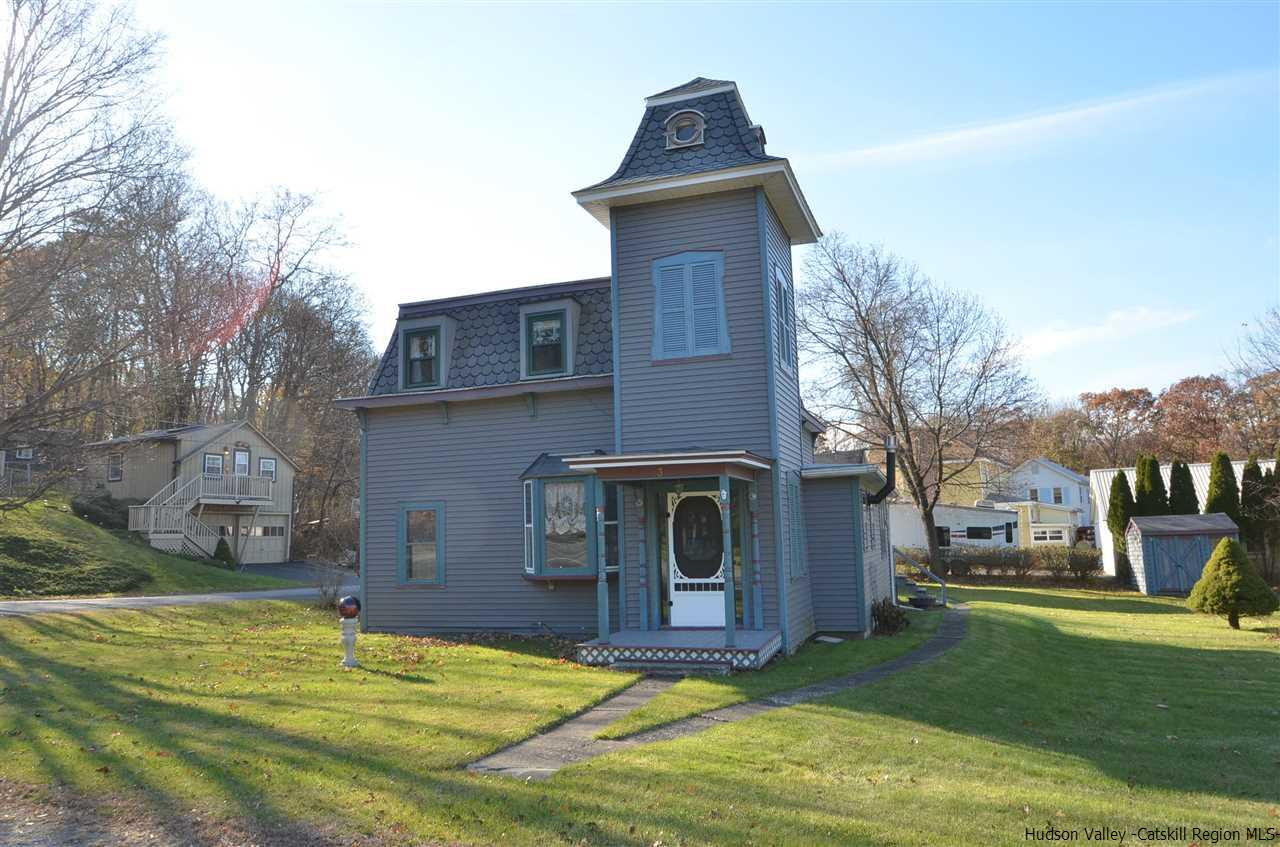 Single Family Home for Sale at 3 Kelly Street 3 Kelly Street Rhinebeck, New York 12574 United States