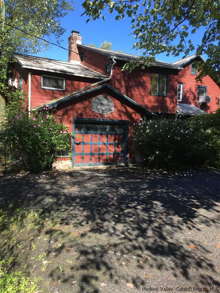 Single Family Home for Sale at 235 Chestnut Hill Road 235 Chestnut Hill Road Woodstock, New York 12498 United States
