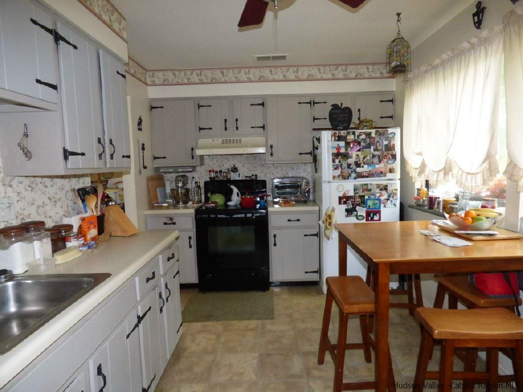 Additional photo for property listing at 204 Village Court 204 Village Court Kingston, New York 12401 United States
