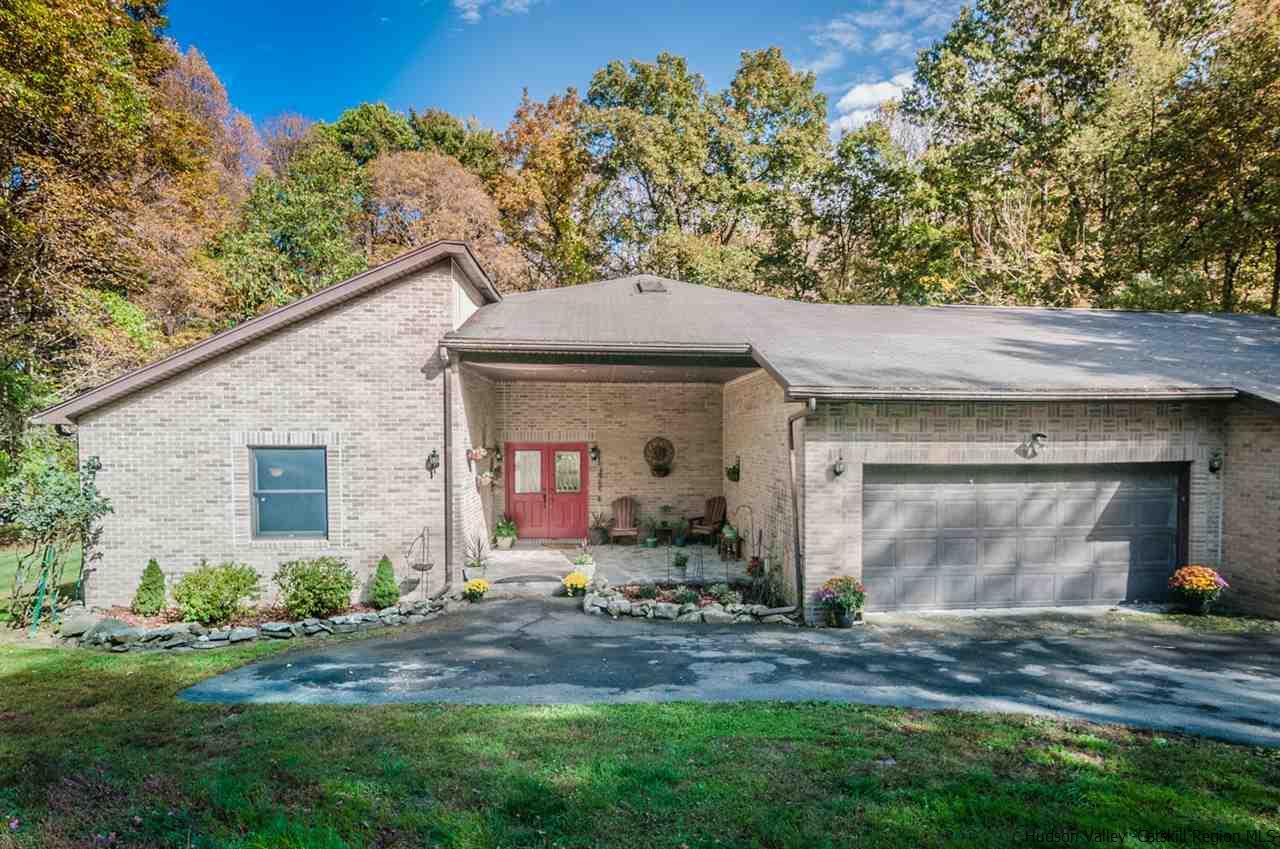 Single Family Home for Sale at 47 Wynkoop Lane 47 Wynkoop Lane Rhinebeck, New York 12572 United States