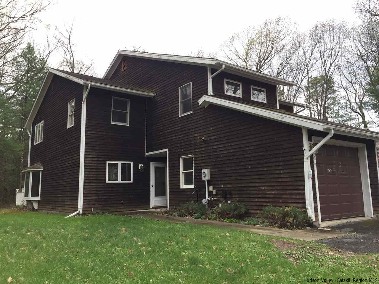 Townhouse for Sale at 166 Ledge Road 166 Ledge Road Kingston, New York 12401 United States