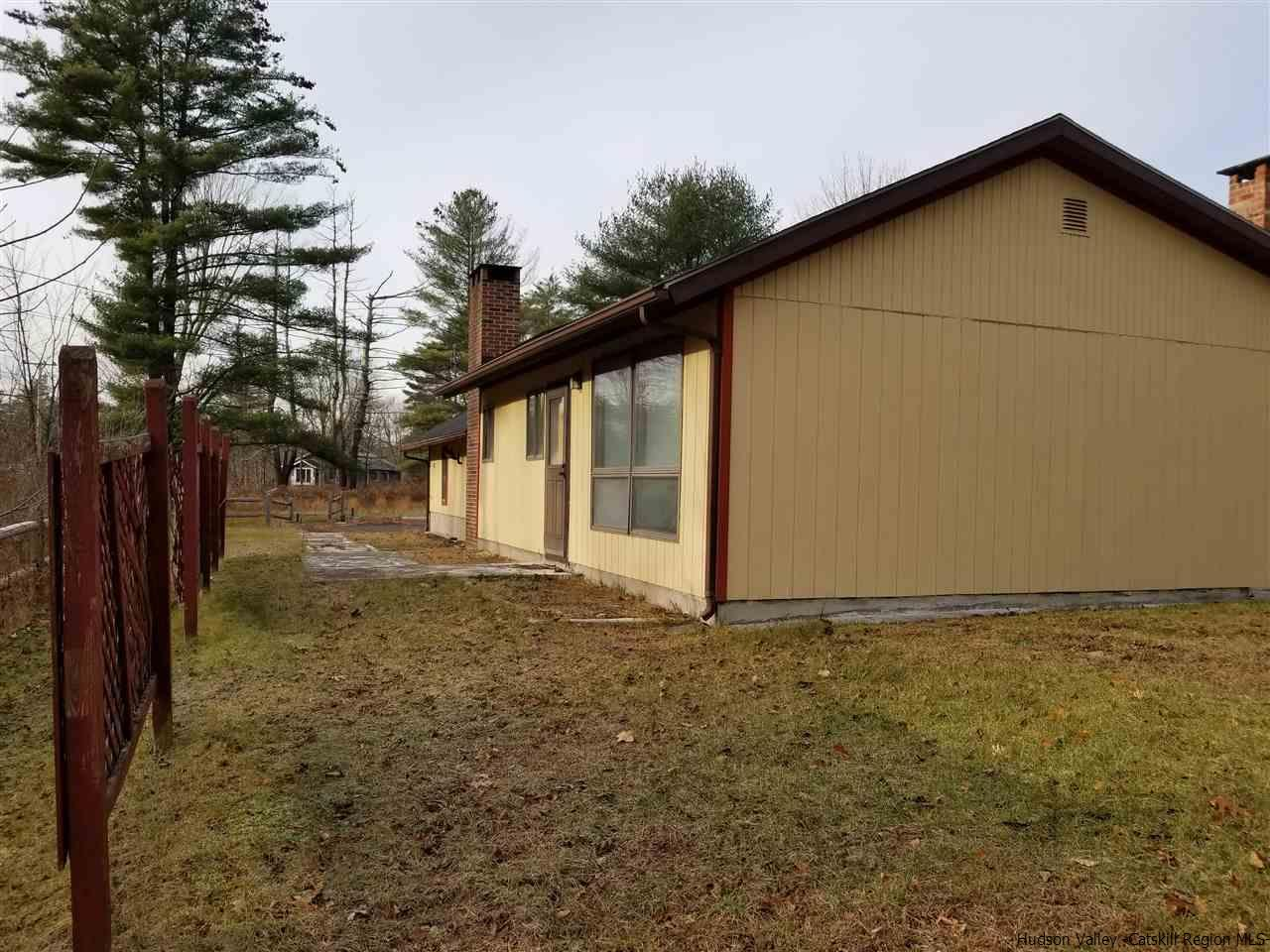 Additional photo for property listing at 1276 State Route 212 Roads 1276 State Route 212 Roads Saugerties, New York 12477 United States