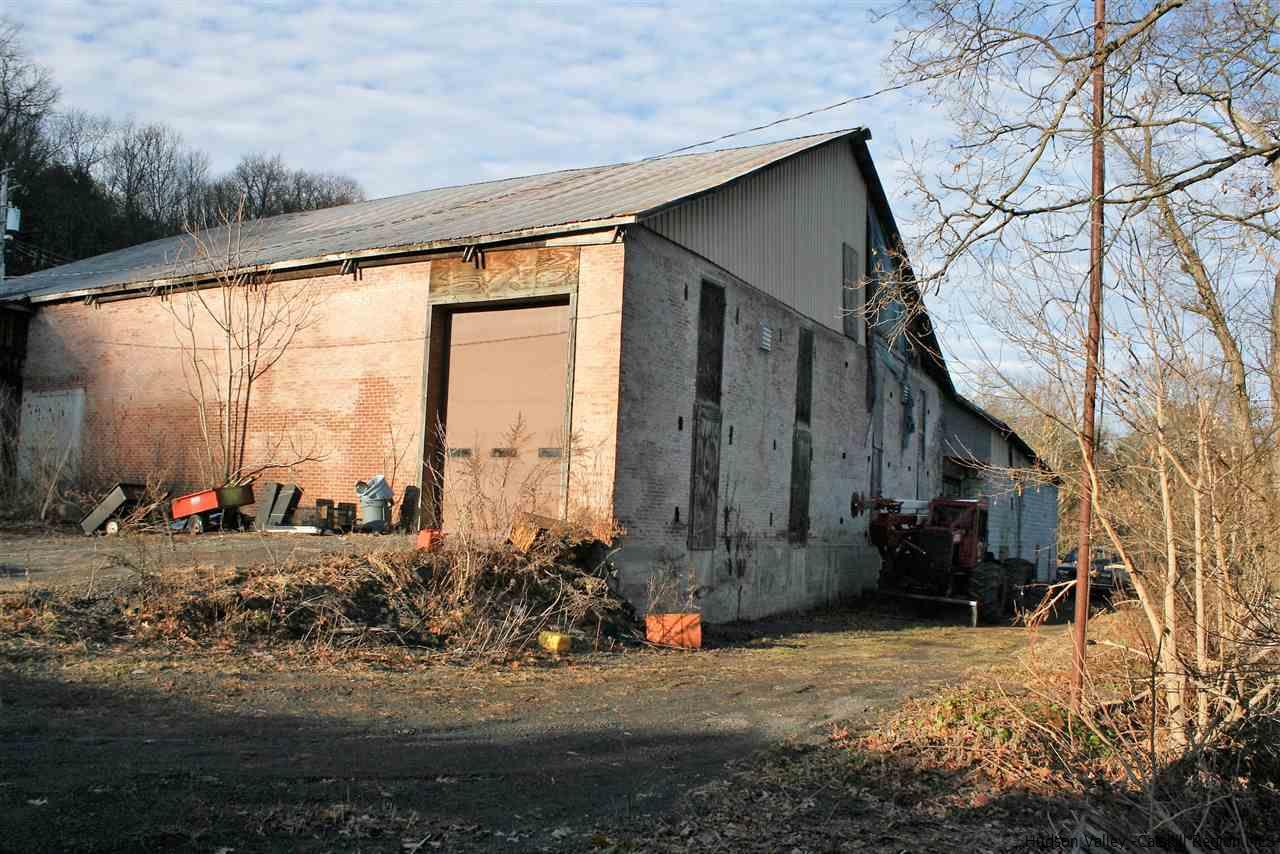 Additional photo for property listing at 2574 Route 9w 2574 Route 9w Saugerties, New York 12477 United States