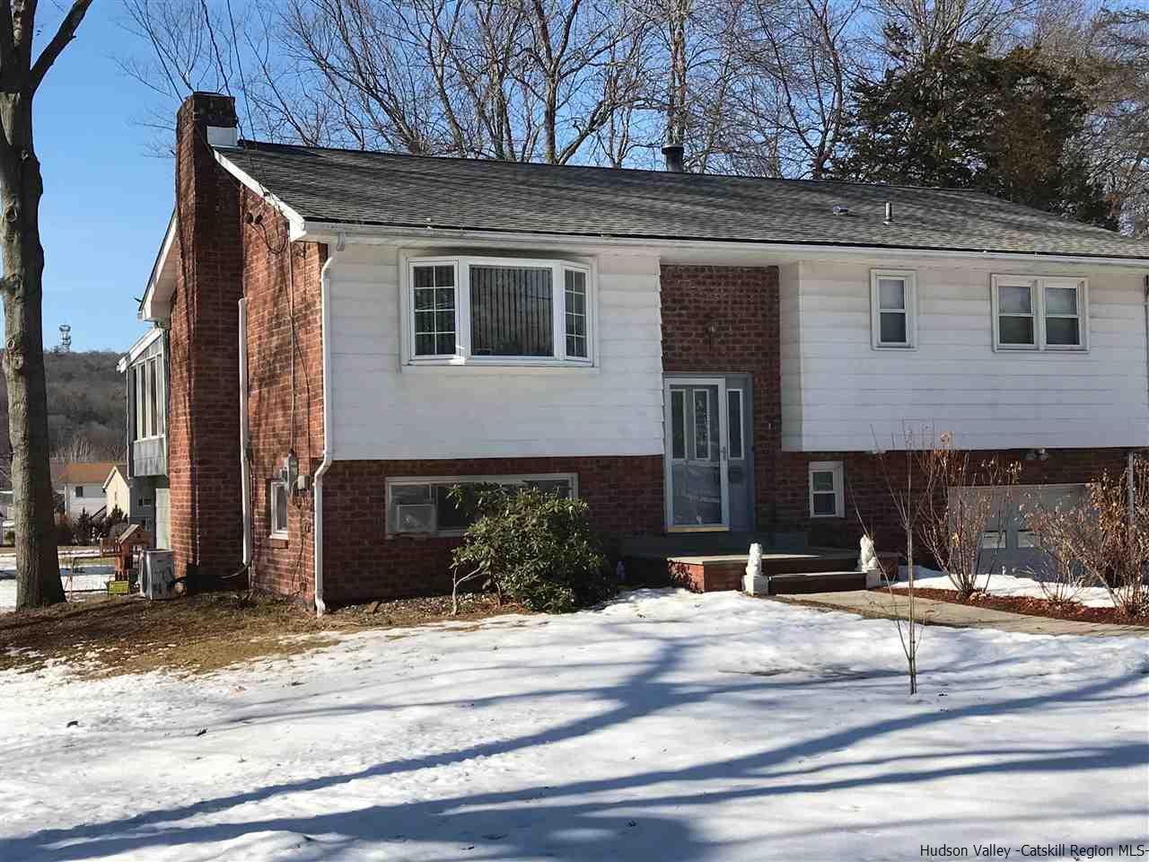 Single Family Home for Sale at 36 Vans Ter 36 Vans Ter Lake Katrine, New York 12449 United States