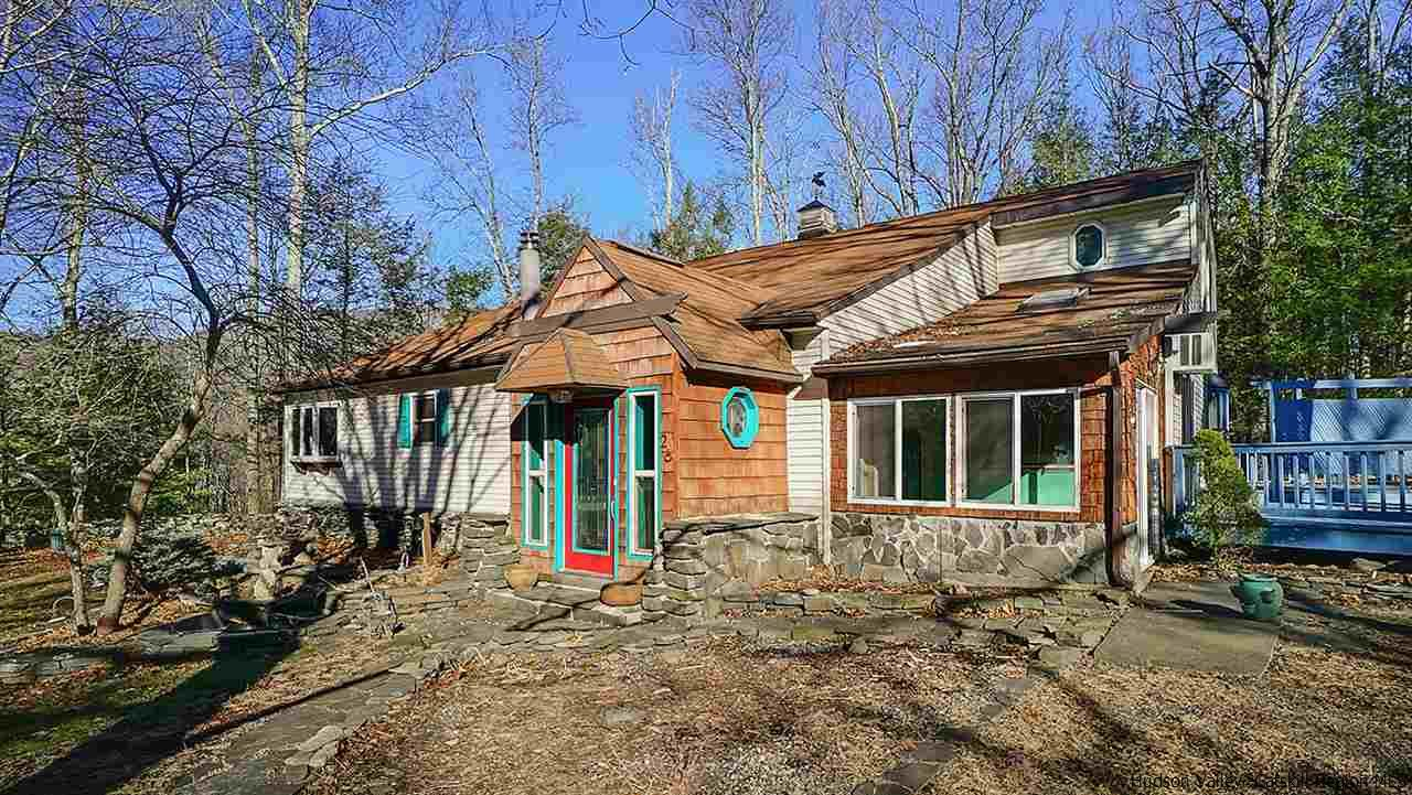 Single Family Home for Sale at 26 Private Road 1 26 Private Road 1 Shokan, New York 12481 United States