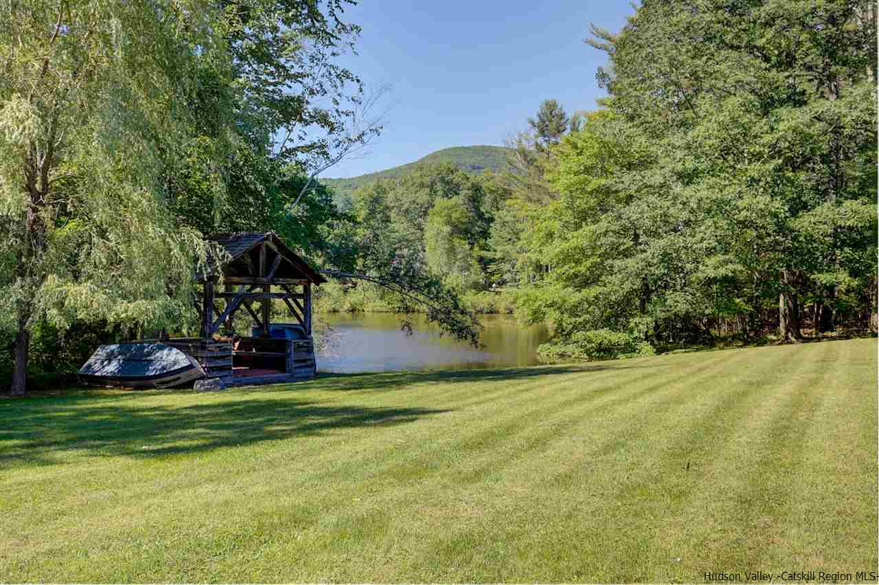 Additional photo for property listing at 109 & 115 Mountain Laurel Lane 109 & 115 Mountain Laurel Lane Woodstock, New York 12498 United States