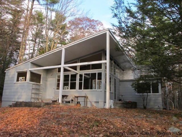 Single Family Home for Sale at 262 UPPER BYRDCLIFF Road 262 UPPER BYRDCLIFF Road Woodstock, New York 12498 United States