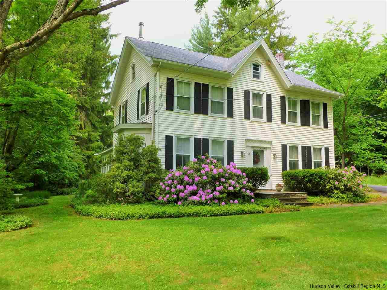 Single Family Home for Sale at 5 Anderson Road 5 Anderson Road Gardiner, New York 12525 United States