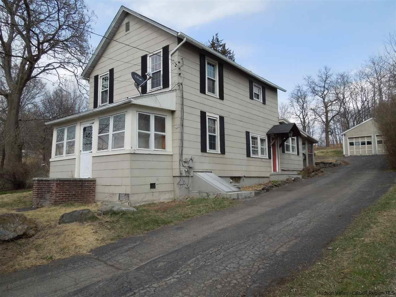 Single Family Home for Sale at 25 Old Route 9W 25 Old Route 9W Saugerties, New York 12477 United States