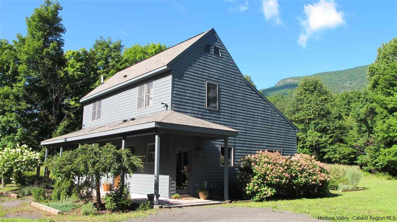 Single Family Home for Sale at 657 West Saugerties Woodstock Road 657 West Saugerties Woodstock Road Woodstock, New York 12498 United States