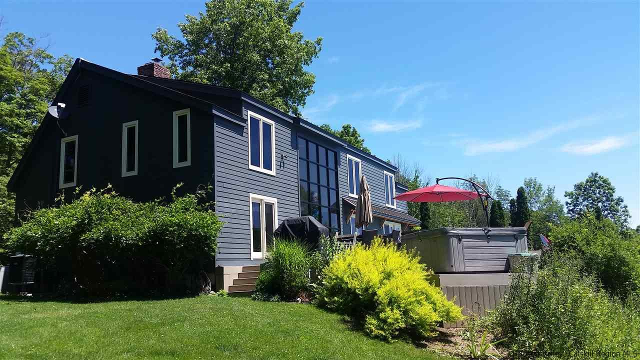 Single Family Home for Sale at 826 County Route 6 826 County Route 6 High Falls, New York 12440 United States