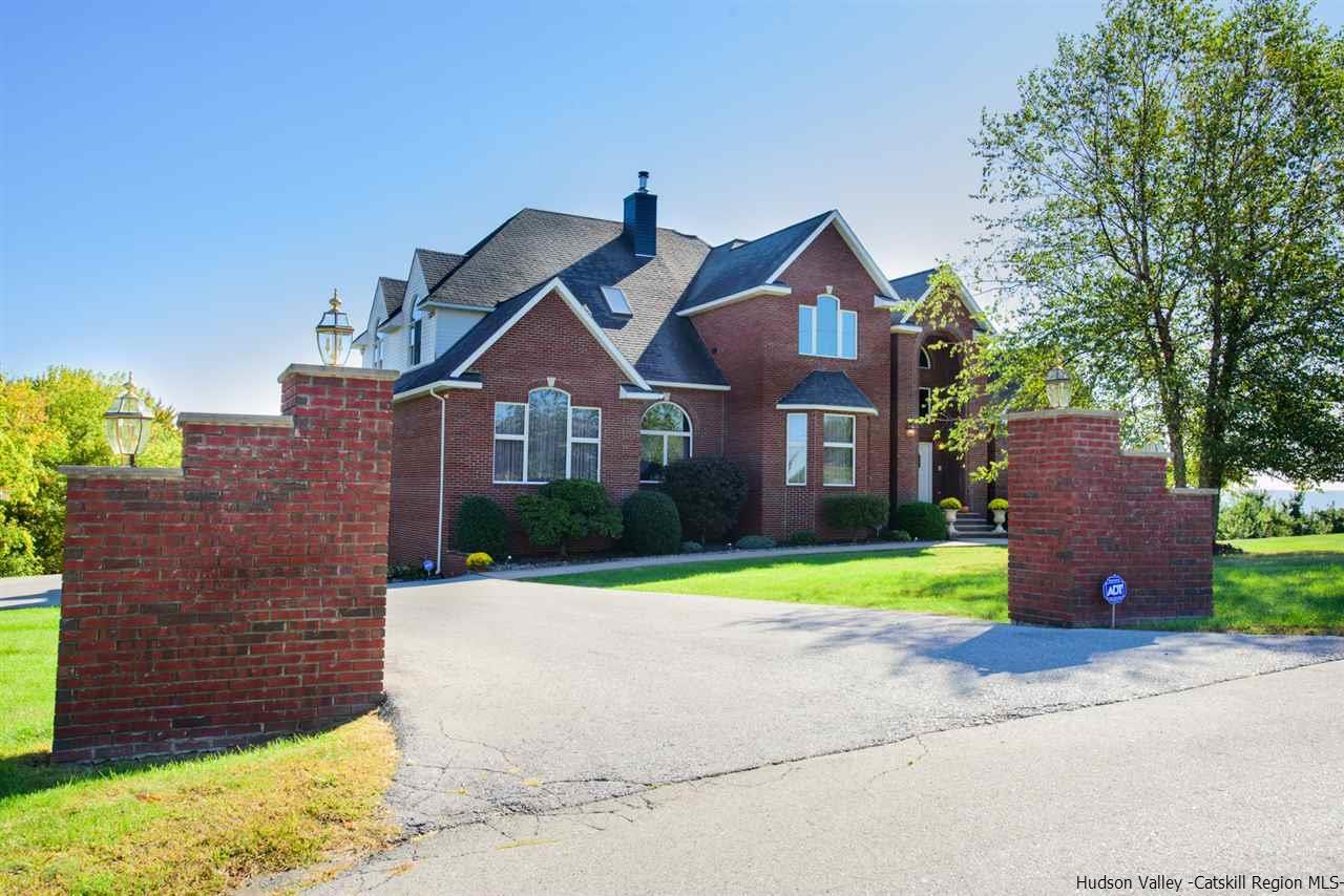 Single Family Home for Sale at 210 Ridge Road 210 Ridge Road Marlboro, New York 12542 United States