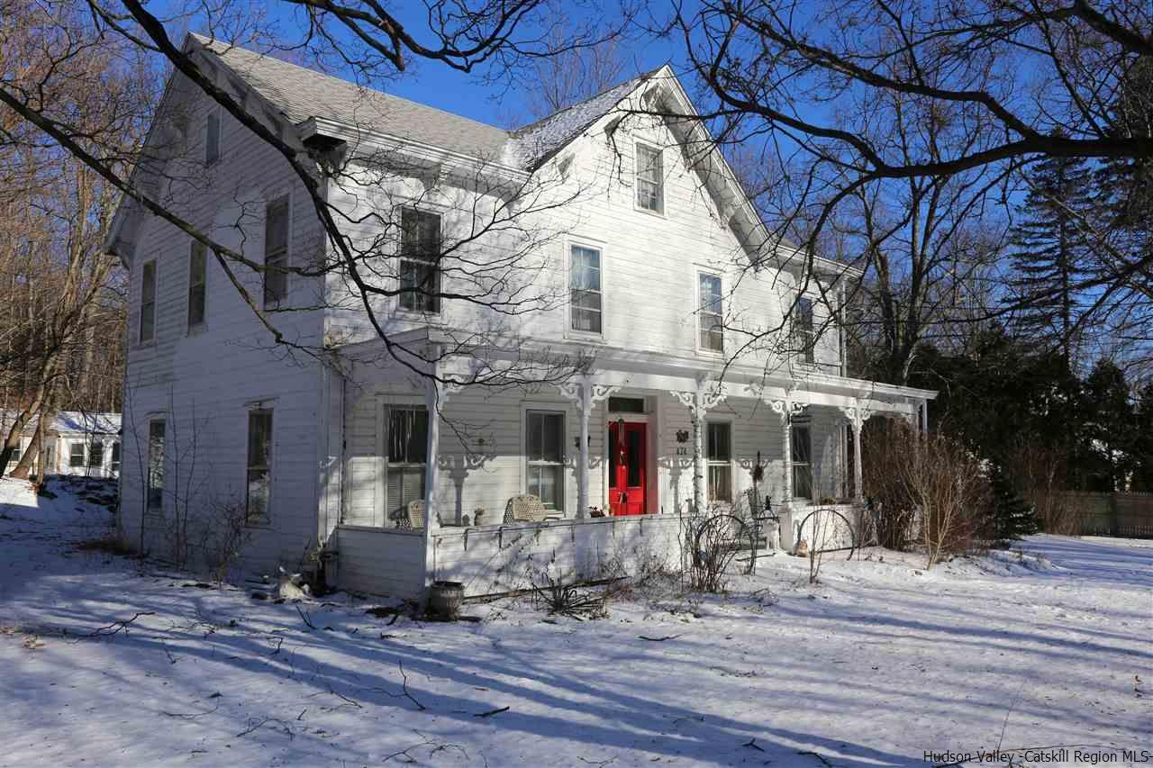 Single Family Home for Sale at 474 West Saugerties Road 474 West Saugerties Road Saugerties, New York 12477 United States