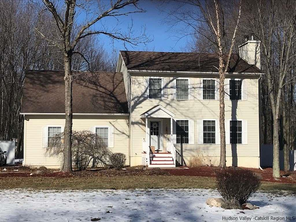 Single Family Home for Sale at 11 Wolf Lane 11 Wolf Lane Gardiner, New York 12525 United States