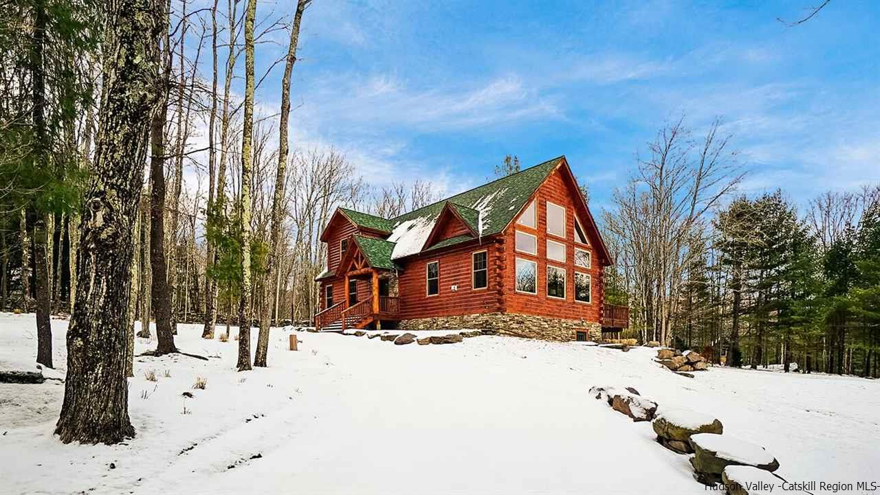 Single Family Home for Sale at 55 Deer Valley 55 Deer Valley Jewett, New York 12444 United States