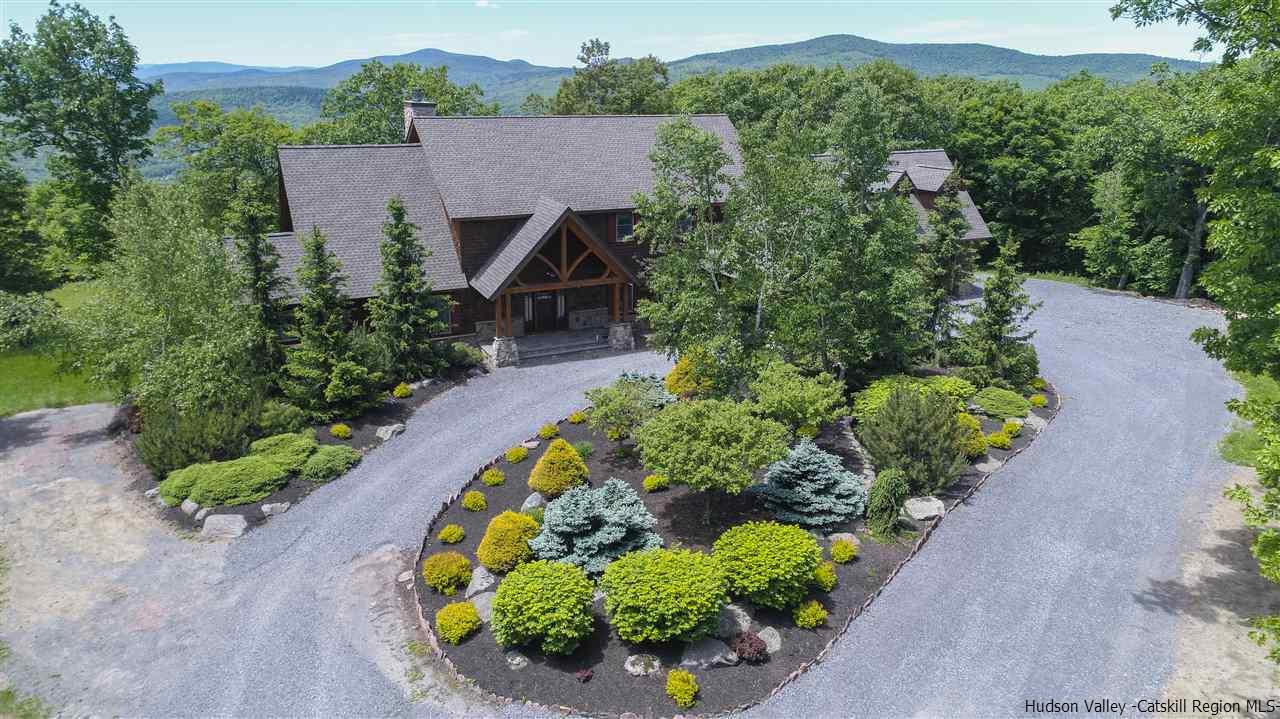 with beautiful views of the Catskill Mountains and Windham Ski Resort