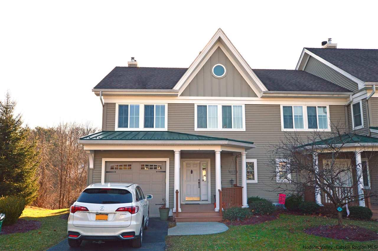 Townhouse for Sale at 6 Pond Ridge Road 6 Pond Ridge Road Milton, New York 12547 United States