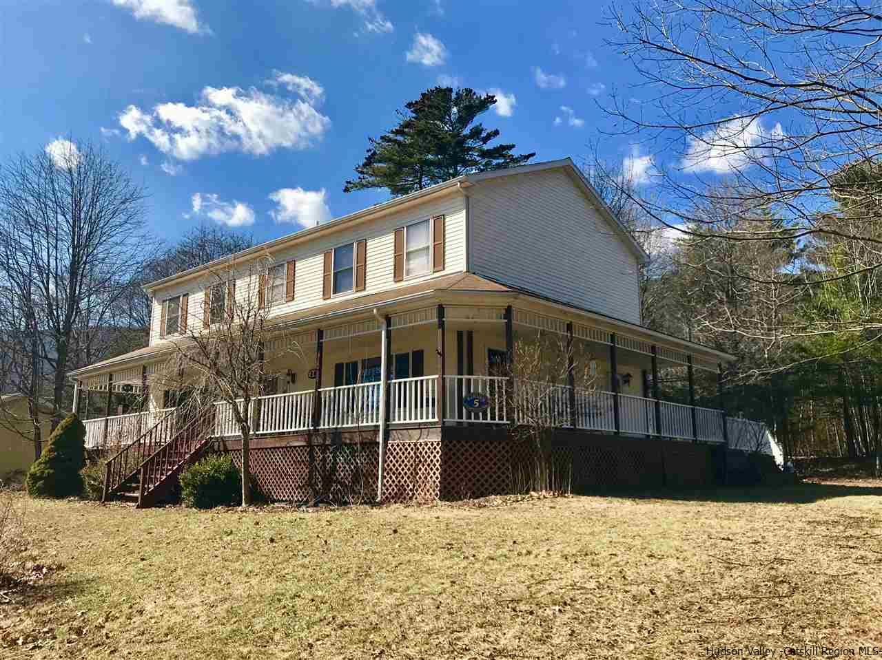 Single Family Home for Sale at 5 Club House Road 5 Club House Road Saugerties, New York 12477 United States