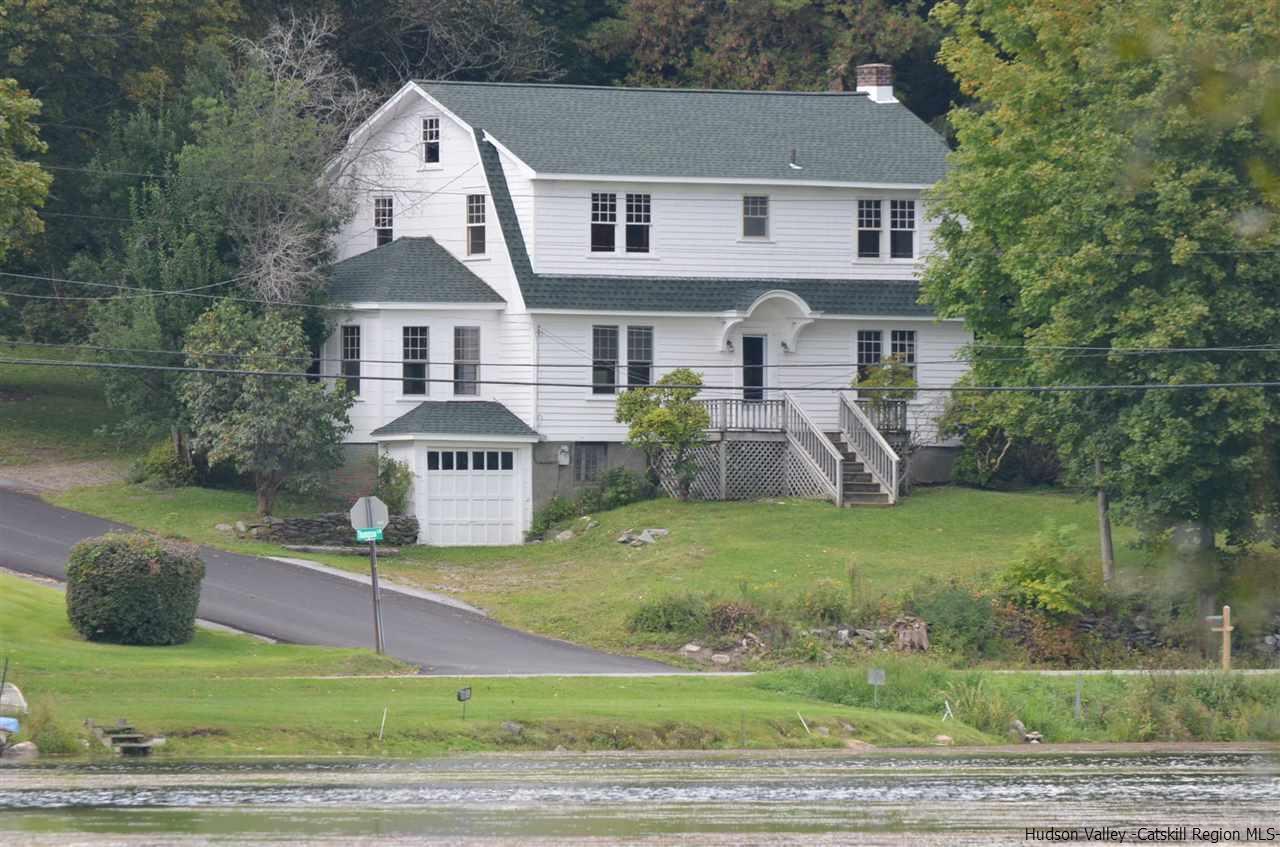 Single Family Home for Sale at 4 Thompson Lane 4 Thompson Lane Stanfordville, New York 12581 United States