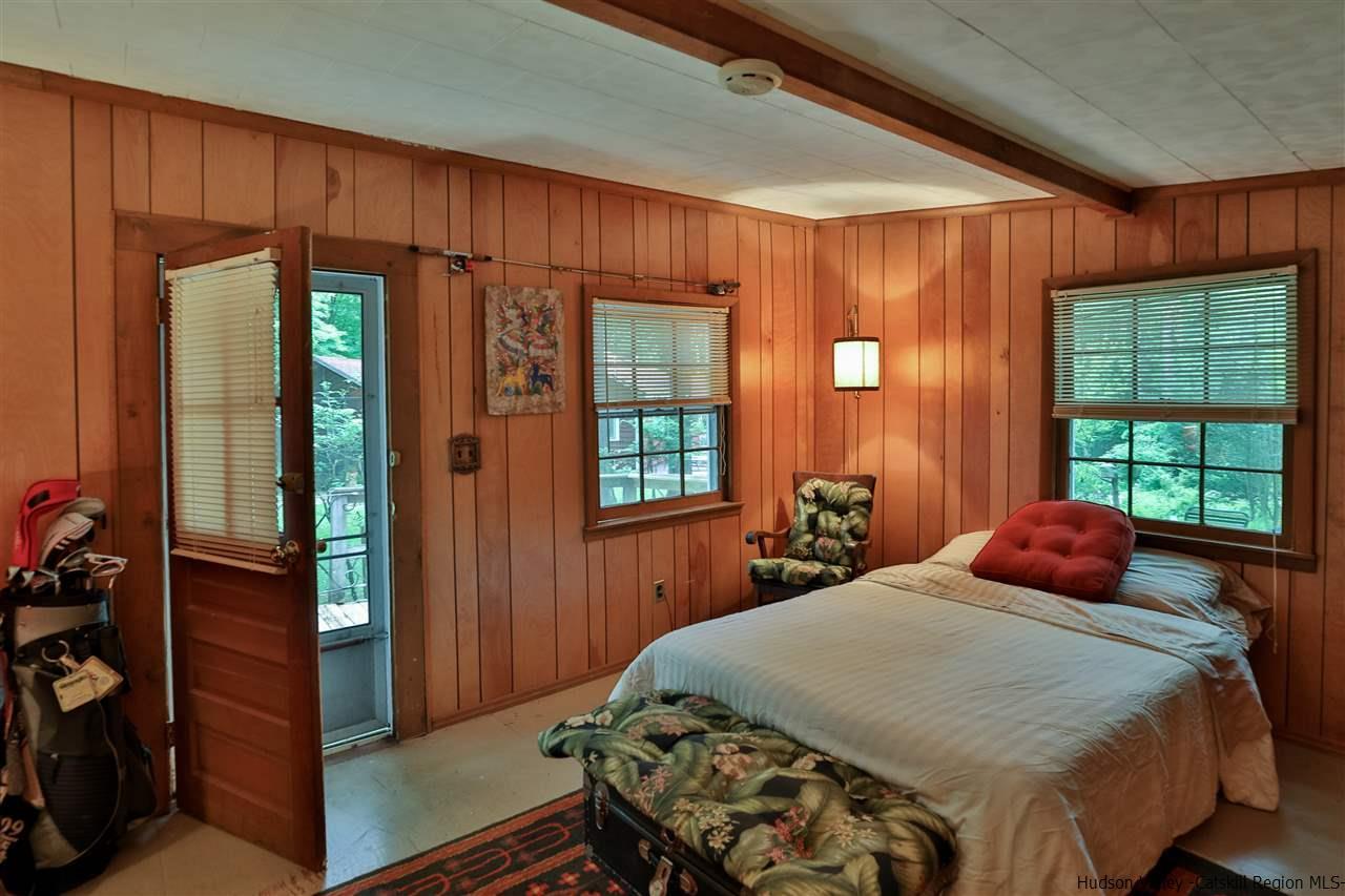 Studio living/bedroom