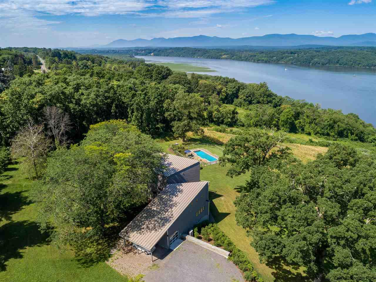 The Young House on the Hudson in relation to the surrounding landscape