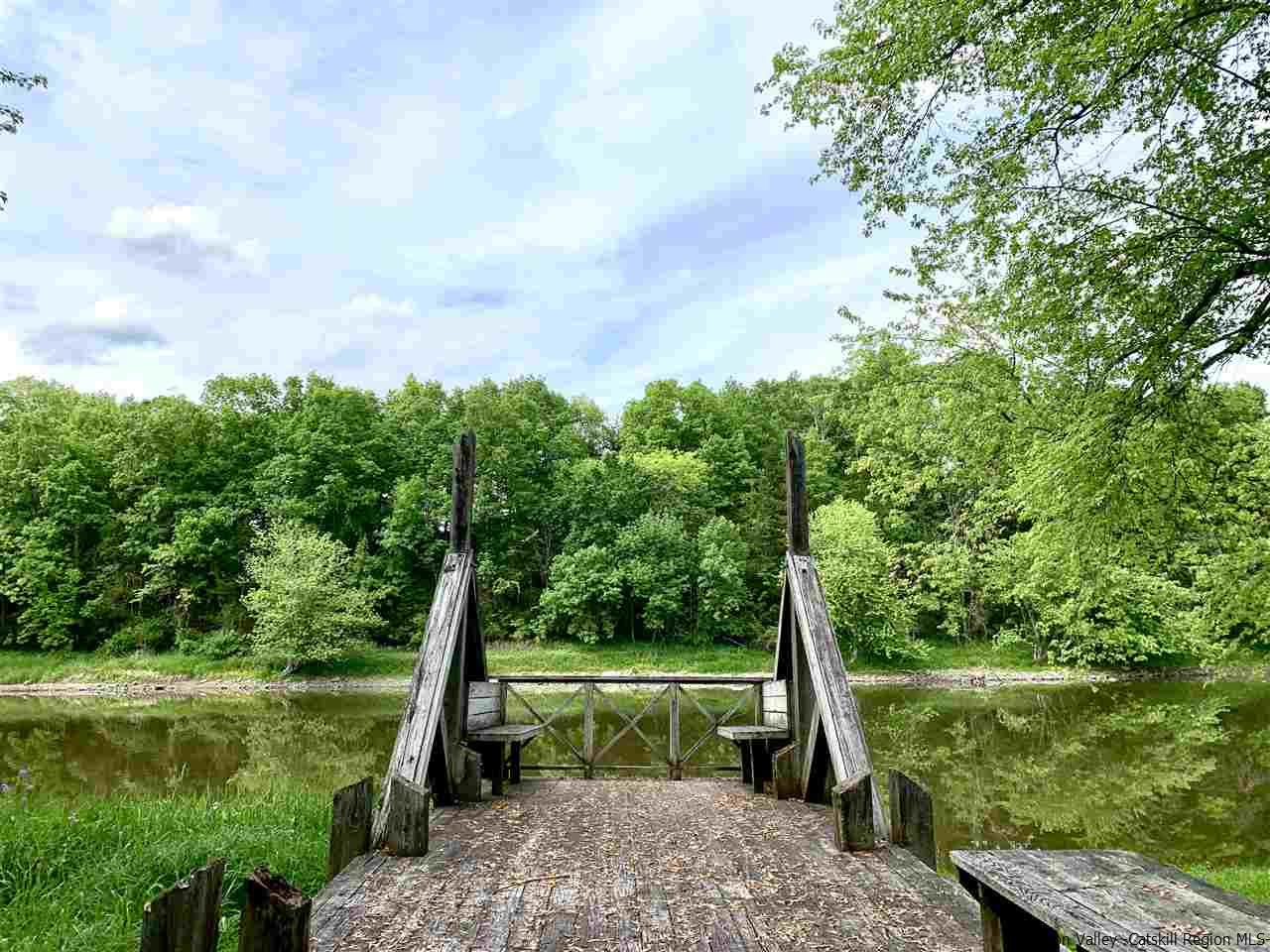 The Home Owners Association has private access to the Wallkill River. This is a 5 minute walk