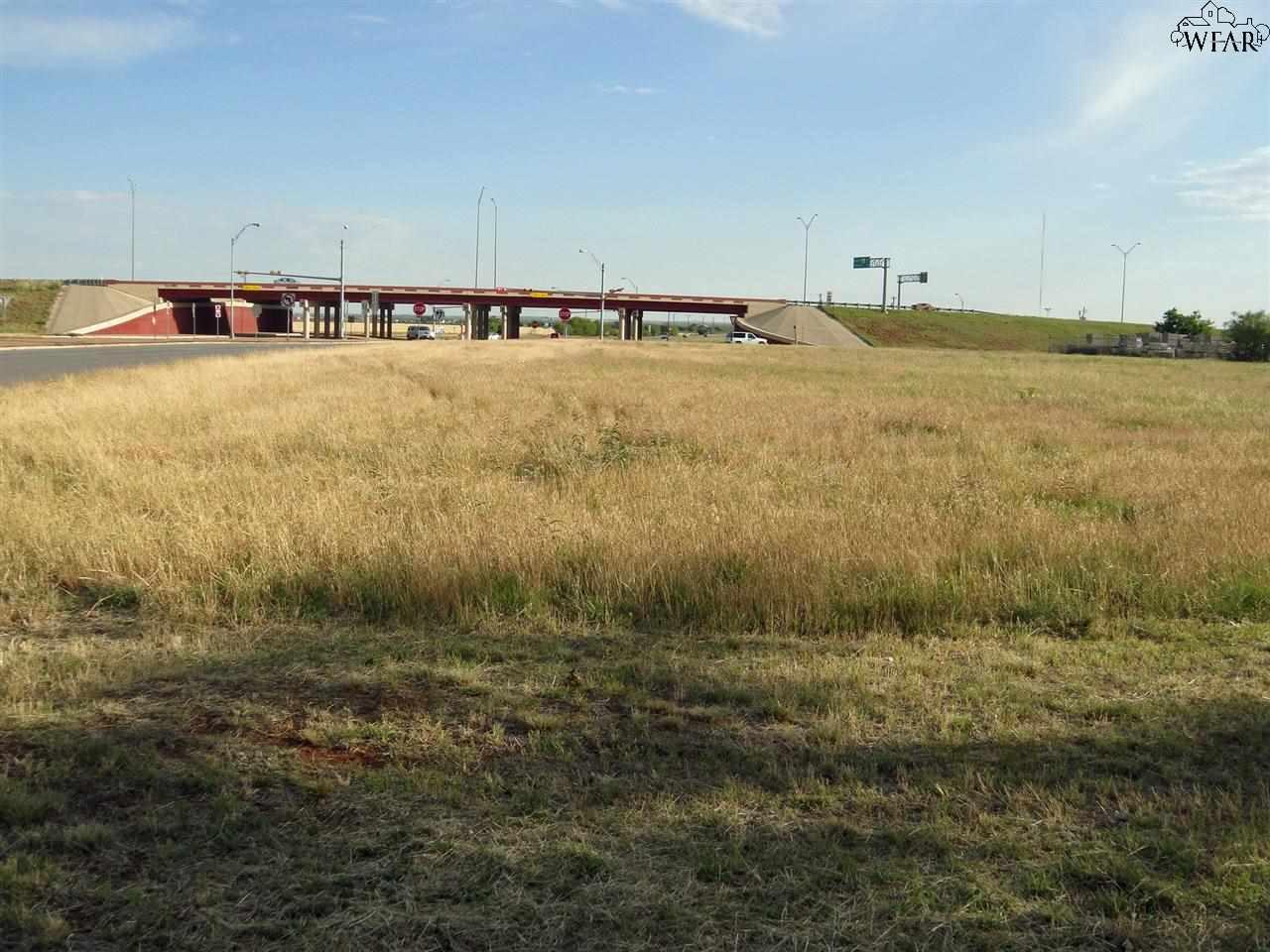 6774 SOUTHWEST PARKWAY, Wichita Falls, TX 76310