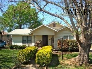 406 E WASHINGTON AVENUE, Iowa Park, TX 76367