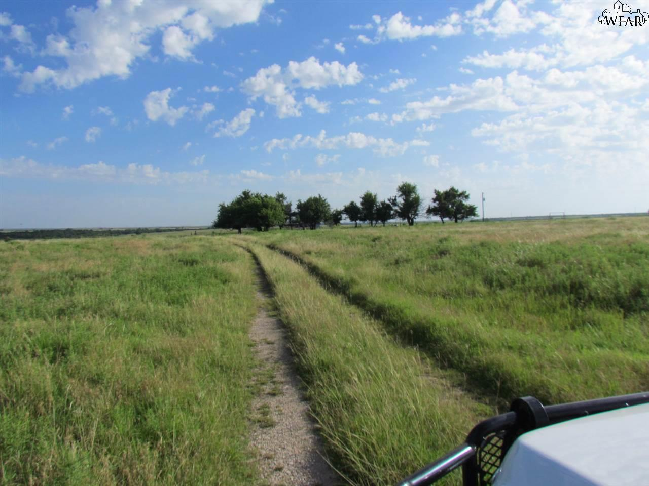000 OLD CAMBRIDGE ROAD, Henrietta, TX 76365