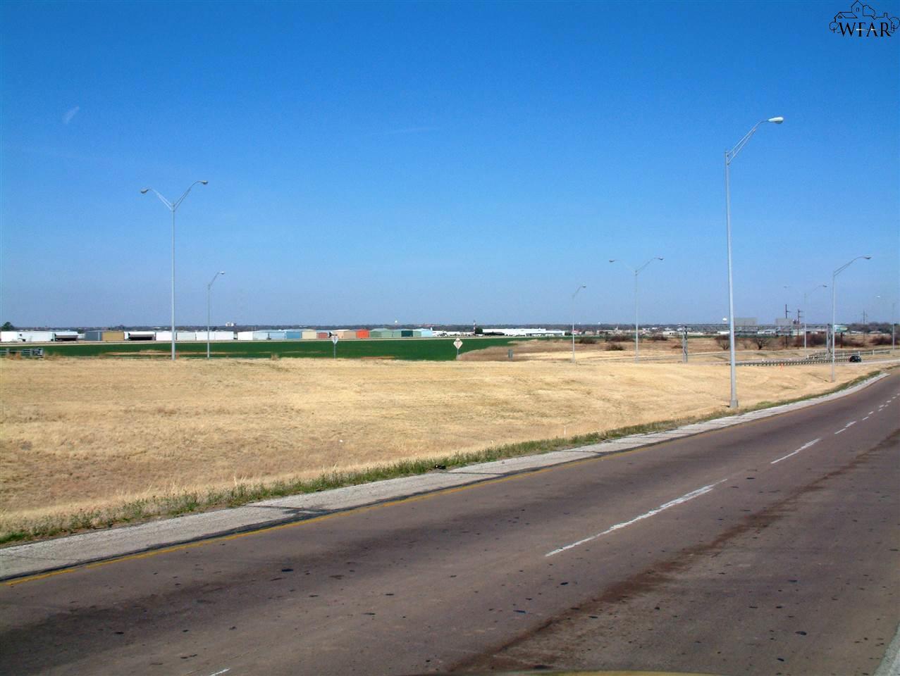 HENRY S GRACE FREEWAY 4425 Kimbell Drive, Wichita Falls, TX 76302