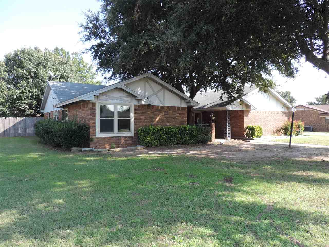 1415 CARDINAL LANE, Burkburnett, TX 76354