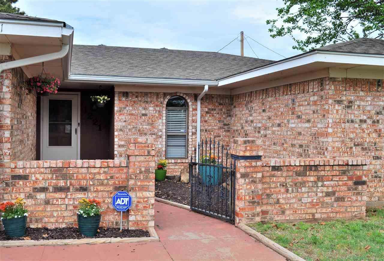 1221 AMHERST STREET, Burkburnett, TX 76354