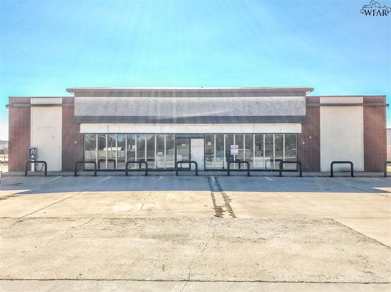 1501 SOUTHWEST PARKWAY, Wichita Falls, TX 76302