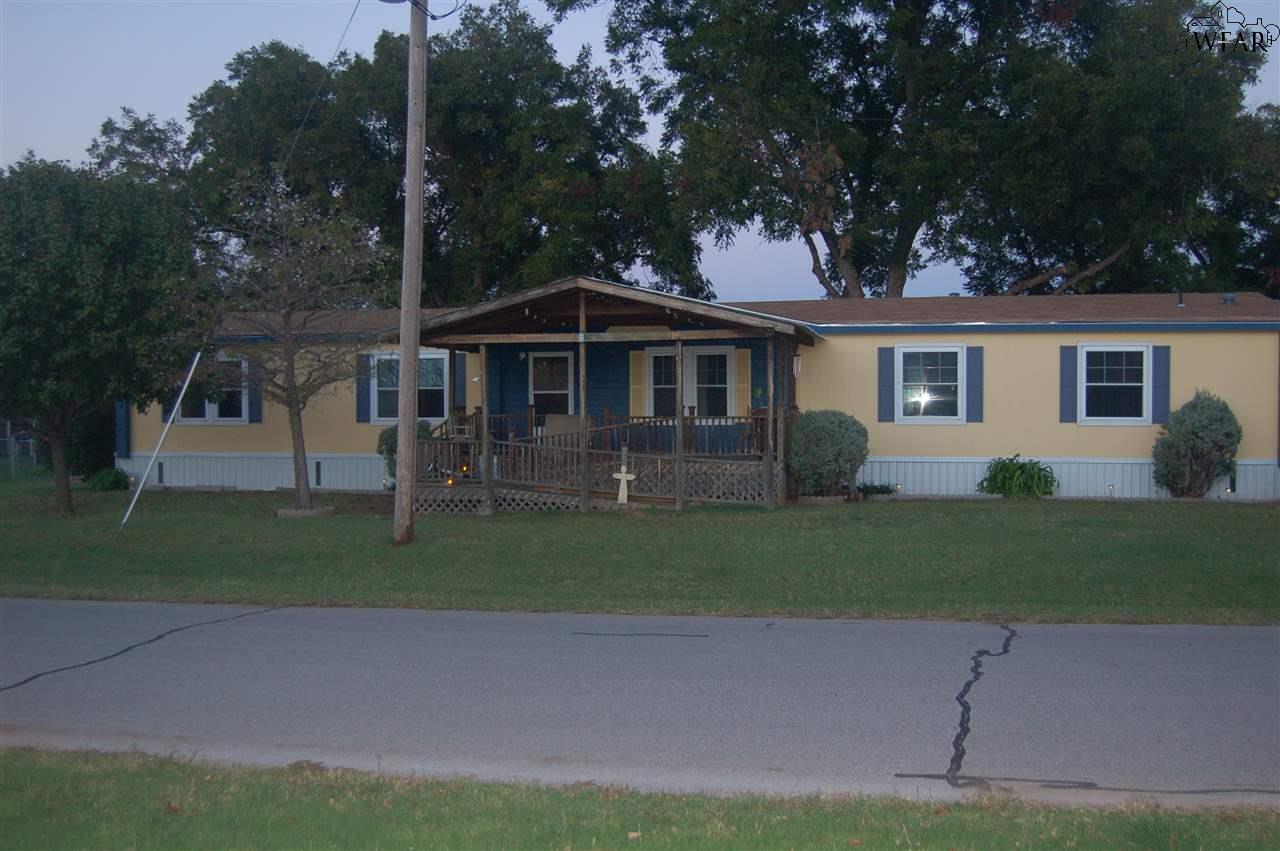 501 E 8TH STREET, Burkburnett, TX 76354