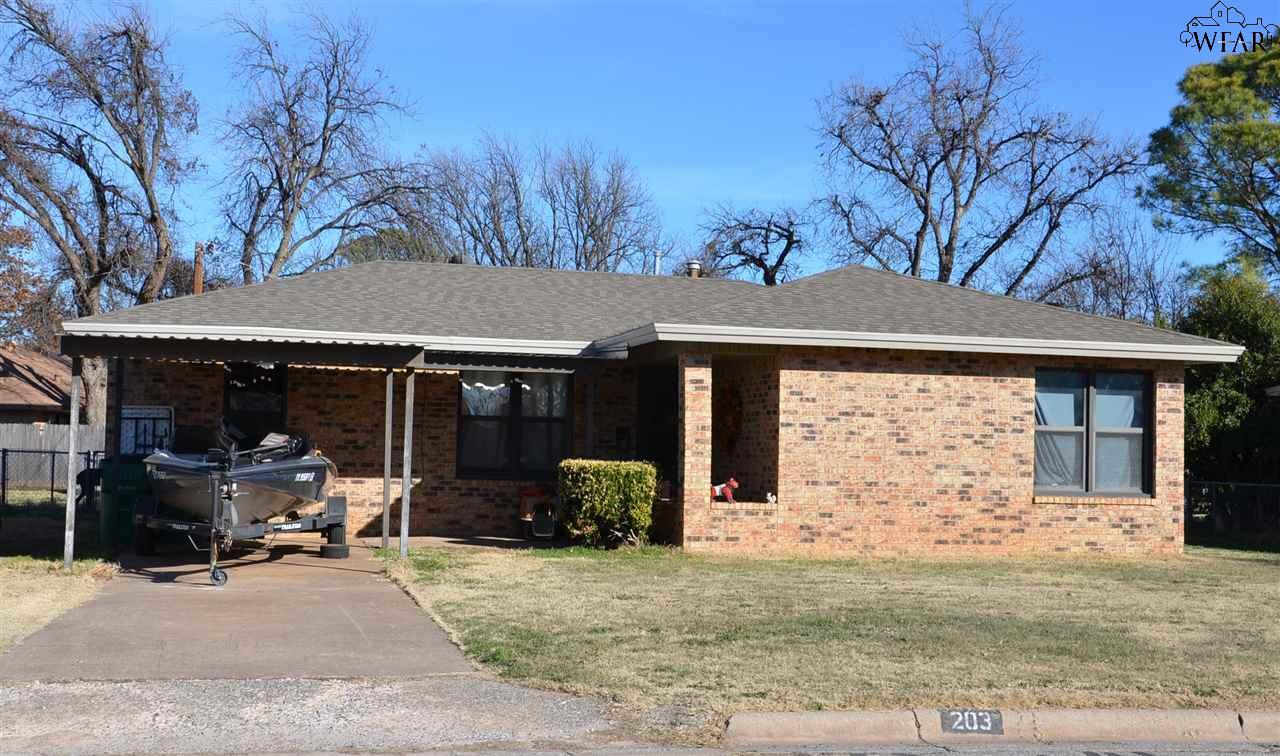 203 S HOLLY DRIVE, Burkburnett, TX 76354