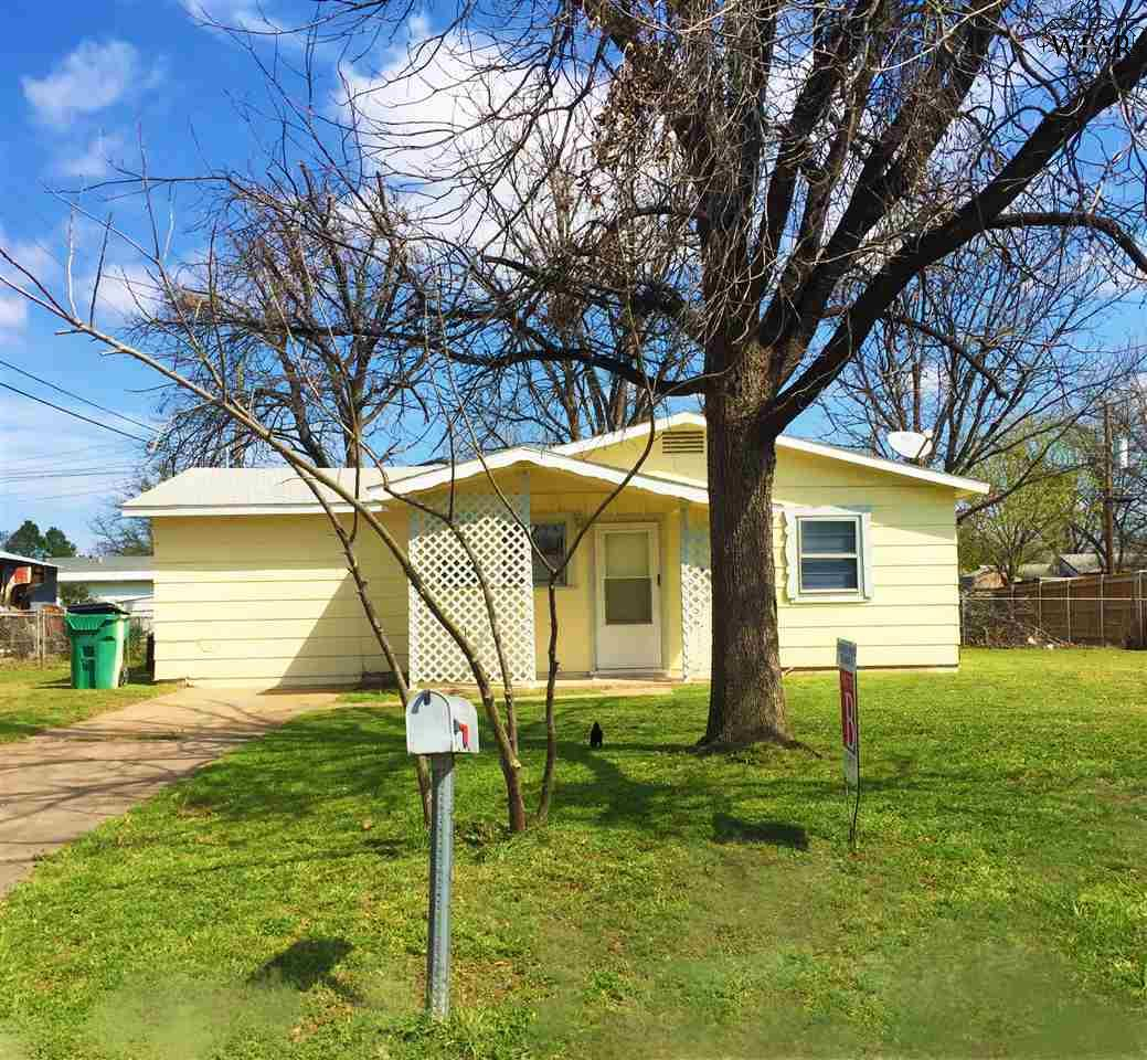 112 WESTVIEW LANE, Iowa Park, TX 76367