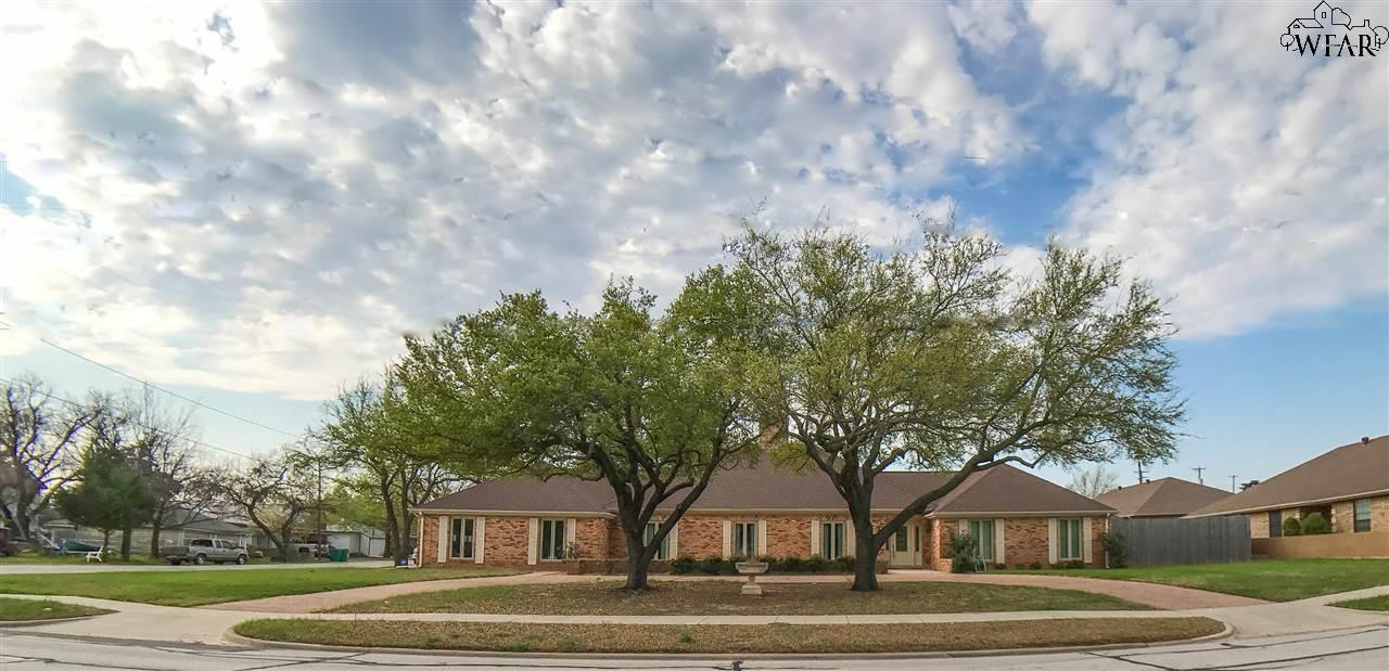 603 W OMEGA STREET, Henrietta, TX 76365