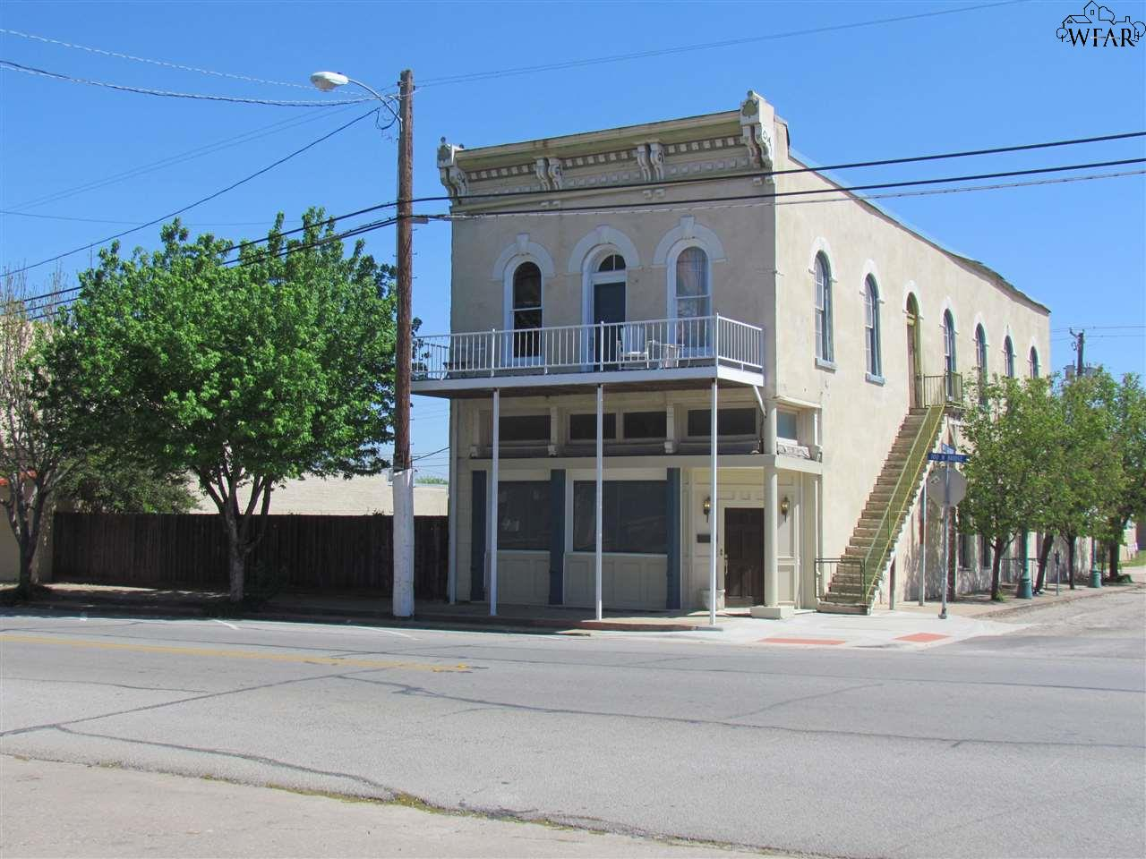 102 N BRIDGE STREET, Henrietta, TX 76365