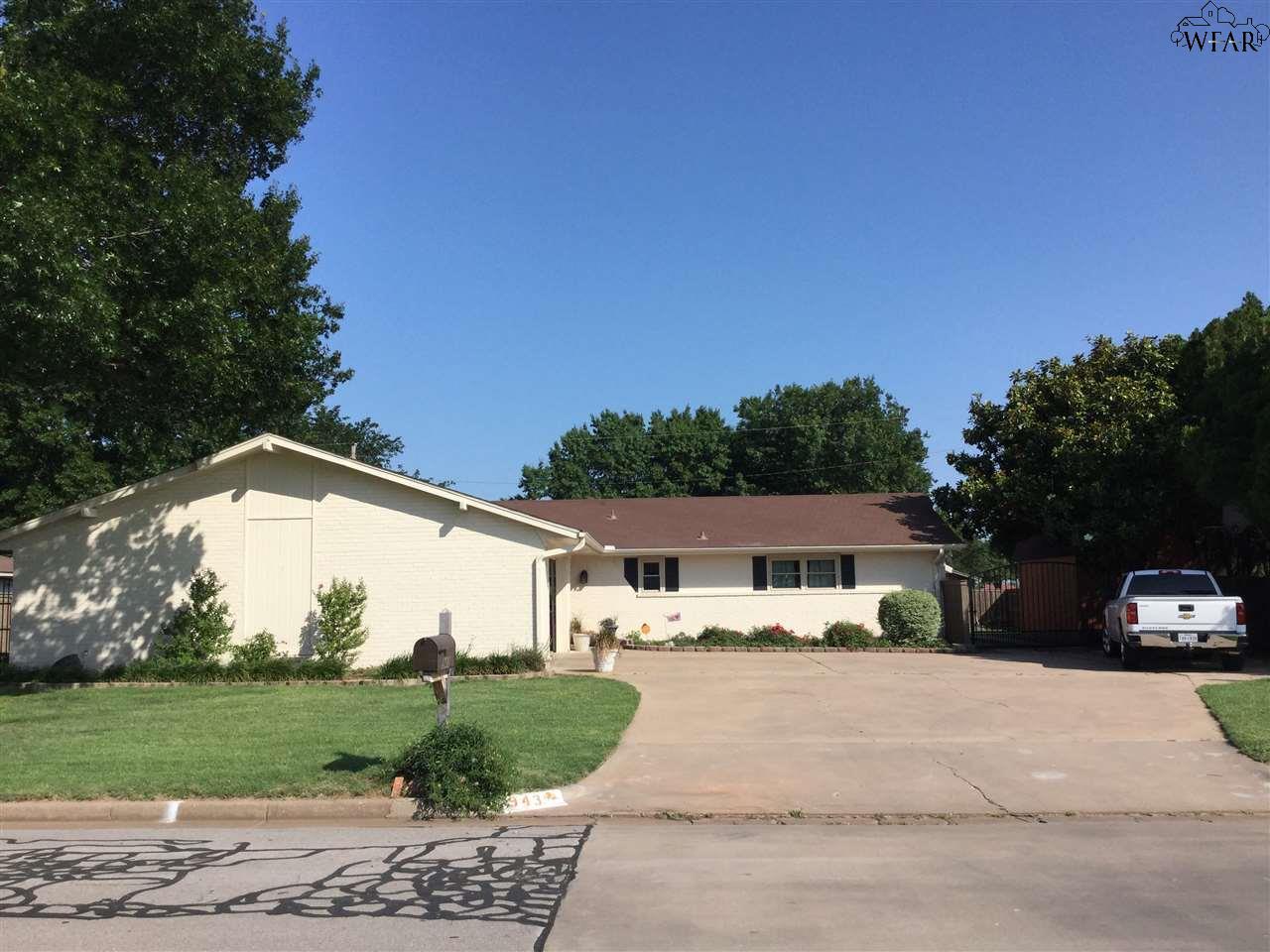 943 TEJAS DRIVE, Burkburnett, TX 76354